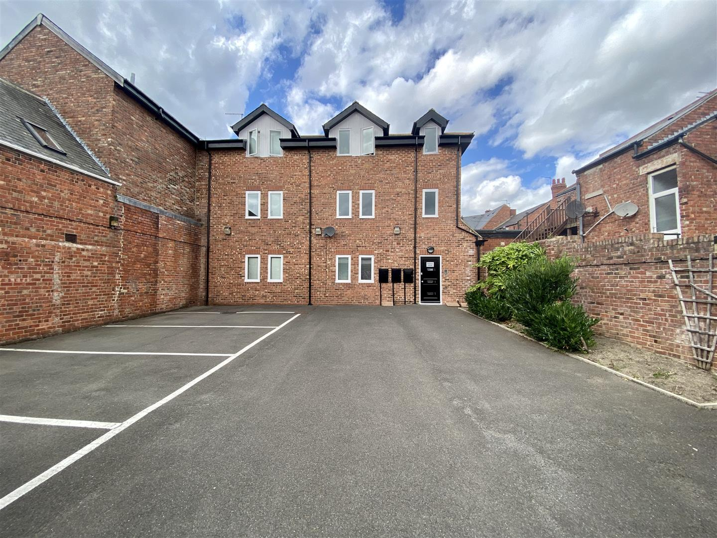 Dinsdale Place Newcastle Upon Tyne, 17 Bedrooms  Block of flats ,Sold (STC)